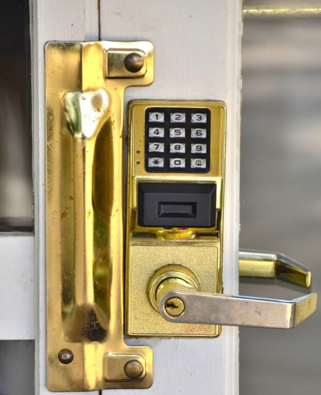 Top Advantages of a Keypad Lock for Your Home